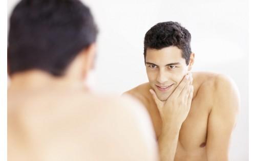 <Увлажнения кожи после бритья